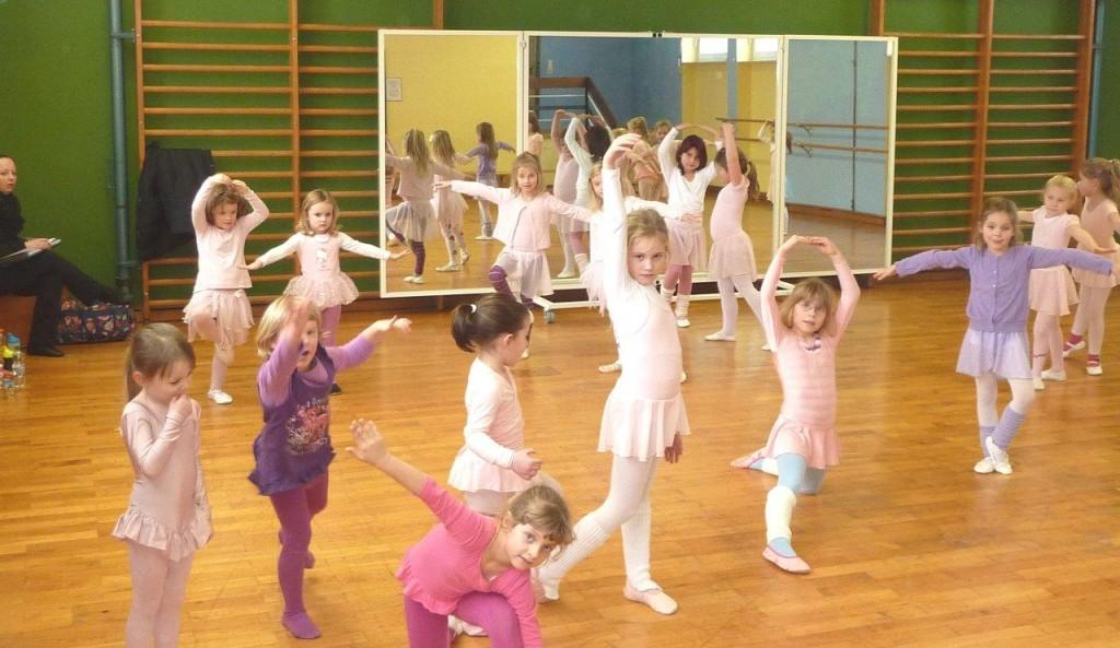 ballett-gruppe-jan-2013-10-1024x593